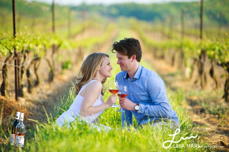 winery engagement pics | Niagara Vineyard Engagement Photography | Geoff & Whitney » Lisa Mark ...
