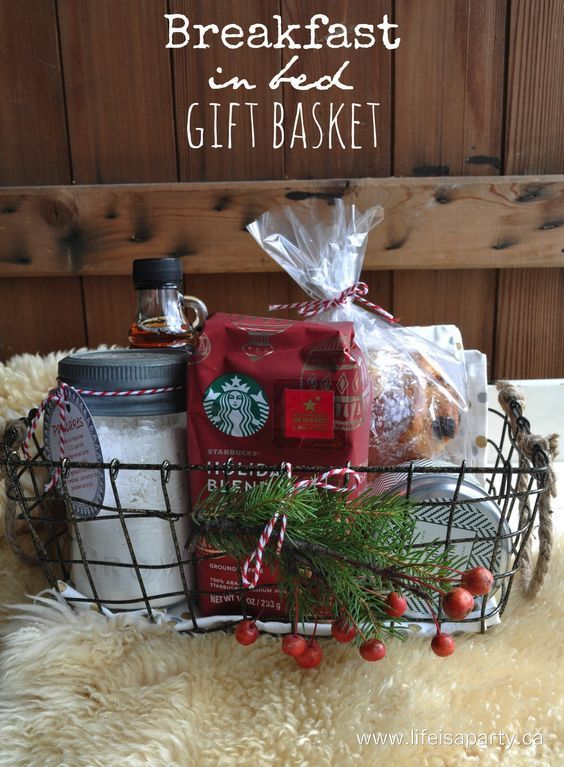 Breakfast in Bed Gift Basket: perfect, easy and thoughtful Christmas present, includes a recipe for homemade pancakes, and free printable instruction card for gift giving. Great for a hostess or teacher gift. #shop