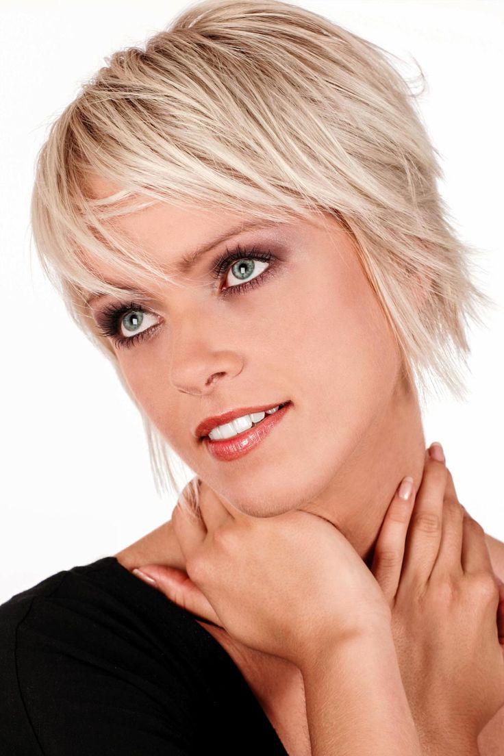 Bildergalerie mit frechen, pfiffigen und flippigen Kurzhaarfrisuren: Blonde Kurzhaarfrisur - Diese Frisur wirkt auf den ersten Blick wie unfrisiert, und genau das ist die Absicht ...