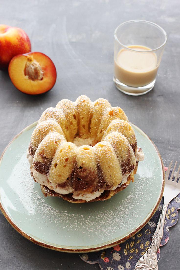 Rezept für Baileys Marmorkuchen Gugelhupf mit Pflaumen und Zimtsahne