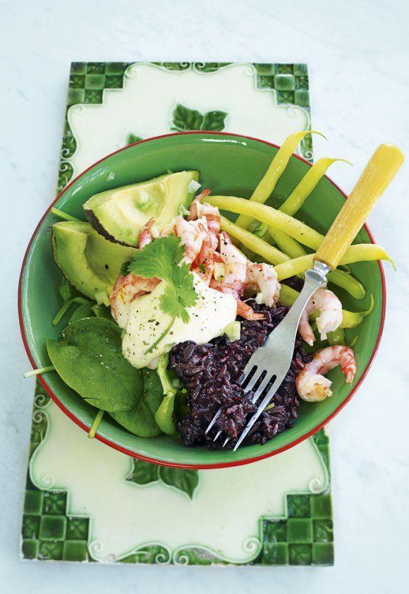 Svart ris med räkor och avokado   Recept.se