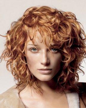 Стрижки на кудрявые волосы (42 фото) средней длины: каскад, креативные, мужские, женские, модные в 2014 году, видео-инструкция по укладке прически своими руками, какую можно сделать на длинные кудри, фото и цена