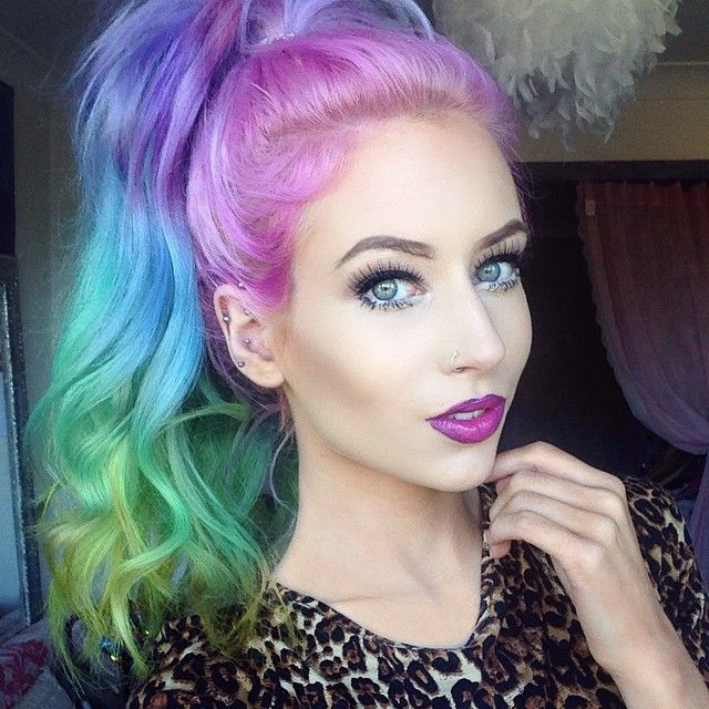 I want some rainbow sand art hair sooooo badly. Wish it wouldn't fry my hair