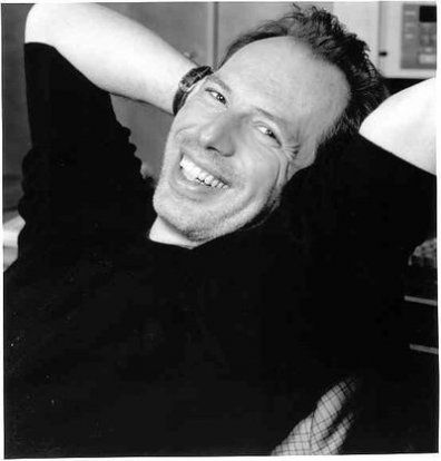 #12sep #1957 (Francfort) nace Hans Zimmer, compositor alemán de bandas sonoras cinematográficas    http://es.wikipedia.org/wiki/Hans_Zimmer    http://www.youtube.com/watch?v=yKuLGW0XUFo