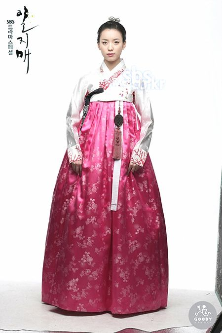 """Iljimae (Hangul: 일지매; hanja: 一枝梅; RR: Iljimae; literally """"One blossom branch"""") is a 2008 South Korean period-action television series, starringLee Joon-gi in the title role of Iljimae, Han Hyo-joo, Lee Young-ah and Park Si-hoo. It is loosely based on the comic strip Iljimae, published between 1975 and 1977, written by Ko Woo-young based on Chinese folklore from the Ming dynasty about a masked Robin Hood-esque character during the Joseon era.한효주"""