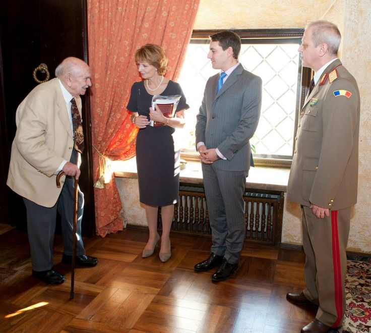 Princess Margarita and Prince Nicholas welcoming Lascăr Zamfirescu, an old classmate of His Majesty, King Michael.