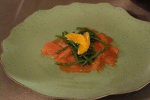 Gerookte zalm met (bloed)sinaasappel en zeekraal - Recept | 24Kitchen