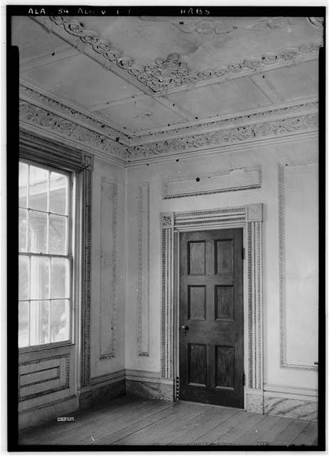 LOOKING SOUTHEAST IN PARLOR. - Dr. William Hughes House & Outbuildings, Hughes Creek vicinity, Aliceville, Pickens County, AL