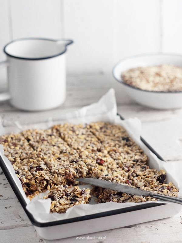 breakfast cereal bars//