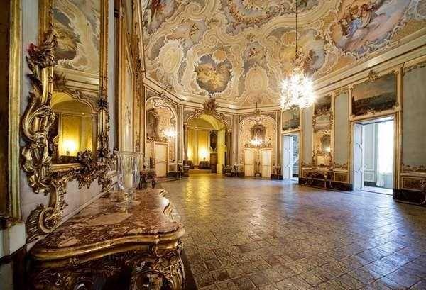 """Sizilien: Bagli, Schlosse und alte Villen  Ein wunderbare Erfahrung in den Schlossen, """"Bagli"""" und alte Gebäude in Sizilien Alte und kulturelle Gebäude um unsere spezielle Gäste, die in Zimmer von Traum schlafen werden können…. #sizilien #urlaub #reisen #Ökotourismus #unaltrasicilia #luxus #Ätna #catania #Bagli #Schlosse"""