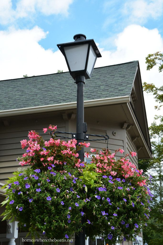 Hanging baskets on street lights Blowing Rock, NC | homeiswheretheboatis.net