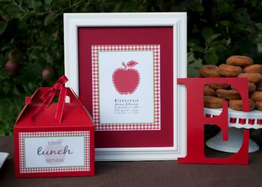 Apple birthday party ideas from party-wagon.com