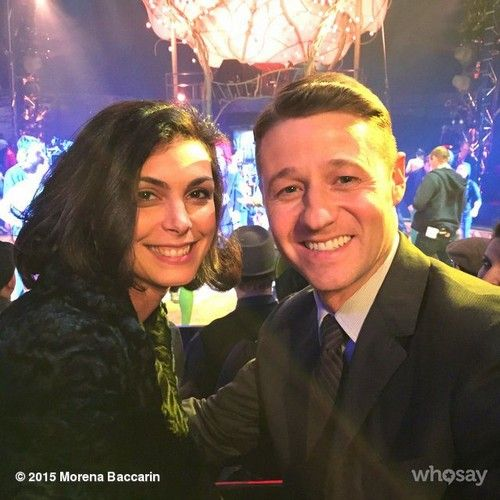 Gotham's Ben McKenzie and Morena Baccarin Dating, Romance Between James Gordon #AustinChick, #Morena