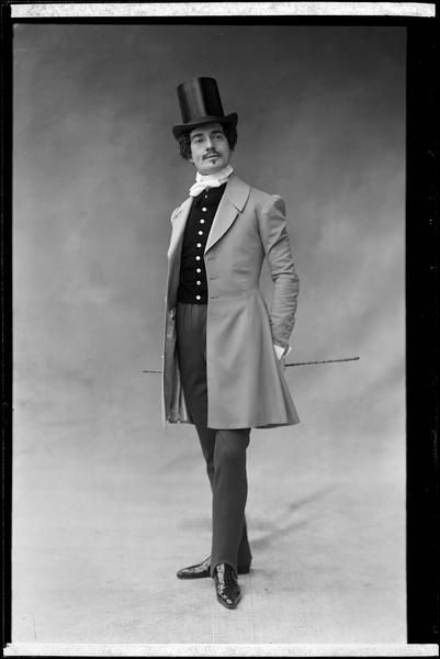 Jean Périer, 1901 - NadarJean (Alexis) Périer (2 February 1869, Paris – 3 November 1954) was a French operatic baryton-martin and actor. Although he sang principally within the operetta repertoire, Périer did portray a number of opera roles. Career mainly centered in Paris and he had a long association with the Opéra-Comique. He sang in a large number of world premieres, most notably originating the role of Pelléas in Claude Debussy's Pelléas et Mélisande in 1902. Appeared in films…