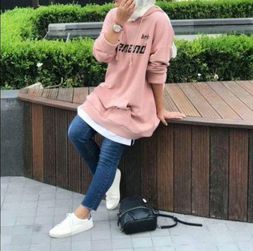 pink sweatshirt with hijab-Hijab fashion style in winter – Just Trendy Girls