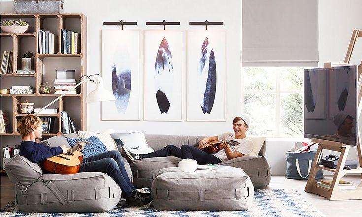 teen lounge Rooms   RH TEEN   tv on an easel is cute!