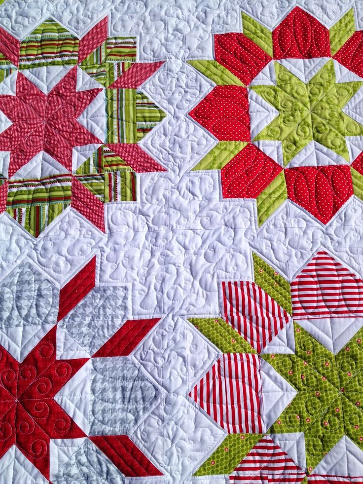 Christmas Swoon Quilt; Quilted by Molly Kohler of Lovely Threads