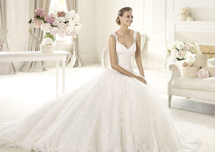 Pronovias presents the Uri wedding dress. Glamour 2013.   Pronovias