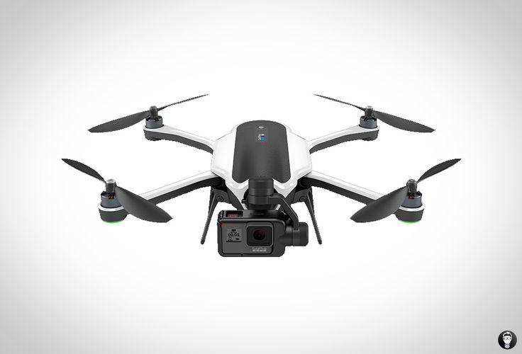 Erst letztes Jahr im September 2016 hatte GoPro seine Karma-Drohne vorgestellt. Zwei Monate später musste der Hersteller sie wieder zurückrufen, da technische Probleme bei der Stromversorgung auftreten konnten. Nun ist der Fehler behoben und das Gerät geht erneut an den Start.  In der ersten Zeit soll die Drohne nur in limitierten Stückzahlen auf der Website des