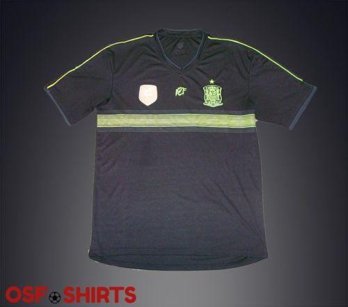 Spain-FCF-Campeones-Del-Mundo-2010-Badge-Jersey-football-shirt-maglia  http://www.ebay.com/itm/-/331994601590