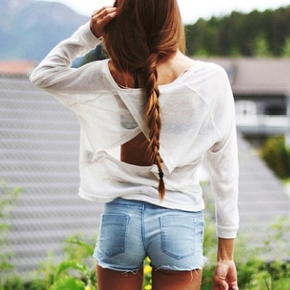 : White Shirts, Summer Outfits, Hair Style, Denim Shorts, Jeans Shorts, Summer Shorts, Cut Outs, Shorts Cut, Open Back