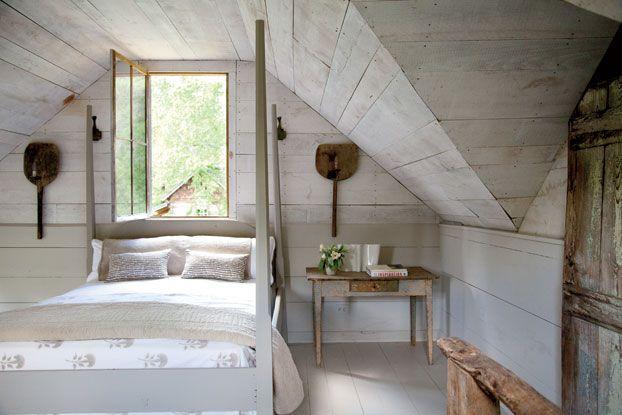 17 best images about bedroom interior design on pinterest for Rustic cottage bedroom