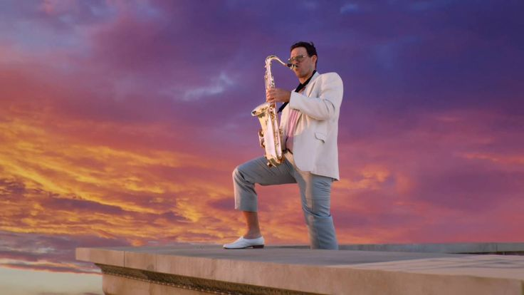 [VIDEO] Tony Romo Plays the Saxophone in new Sunday Ticket Commercial