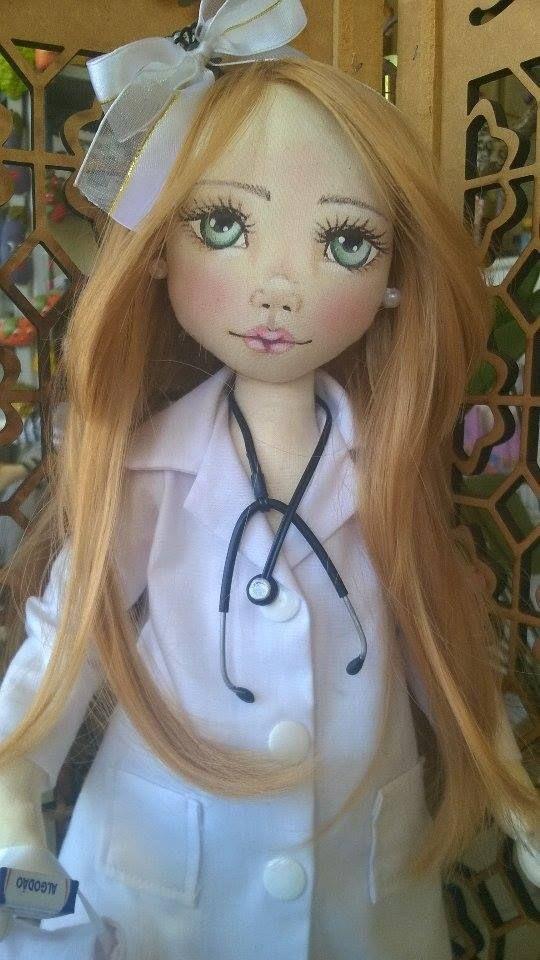 Bonecas de pano. Médica. Soraia Flores.