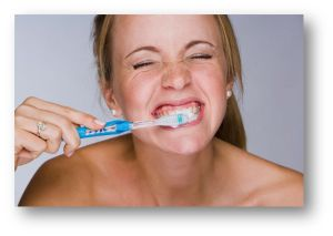 Individuals who state that they brush their teeth infrequently are at greater risk for new carious lesions