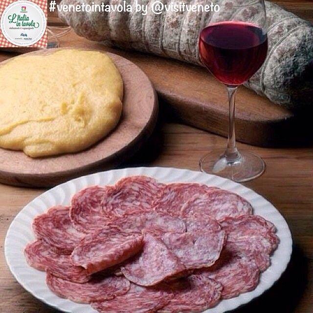 Oggi pranziamo in #Veneto con: sopressa vicentina Dop, #polenta e Raboso del Piave #italiaintavola #venetointavola #italianfood #traditionalfood #italy