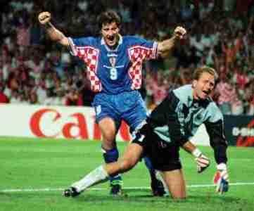 """#Francia98 \ Alemania 0 Croacia 3. La selección de Croacia, revelación de ese Mundial -de la mano de 'Sukerman'- golea a la """"poderosa"""" Alemania"""