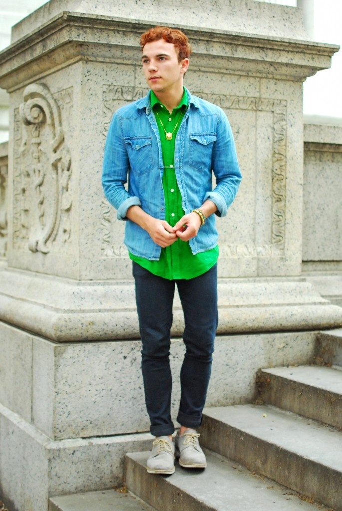 Male Fashion Blogger Justin Livingston of Munrowe in Benson New York shirt