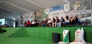 """El Gobernador del Estado de México, Dr. Eruviel Ávila Villegas visito el Municipio de Tepetlaoxtoc donde entrego incentivos a Productores, además de hacer mención de las """"Acciones por el Campo"""" en donde se benefician a más de 18,000 productores d"""