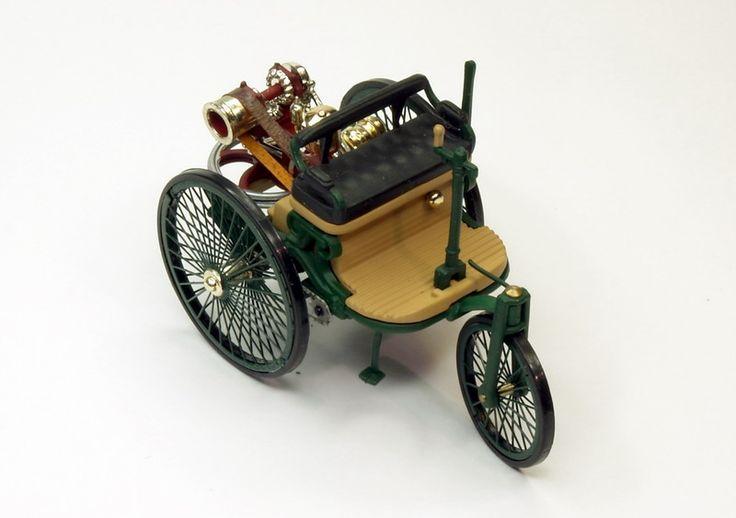 Benz Patent Motorwagen   1886   4.jpg