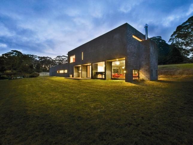 MENDING WALL   Mount Irvine, NSW   Accommodation