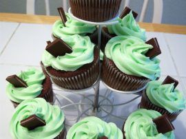st__patrick__s_day_cupcakes_ii_by_dashedandshattered