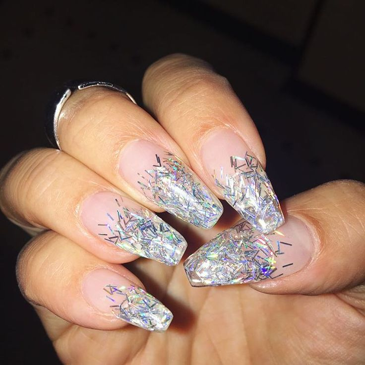 We shall call it...hairy glitter nails!! What a perfect party manicure!