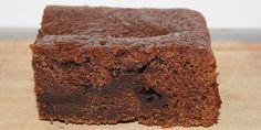 Svampet chokoladekage i bradepande