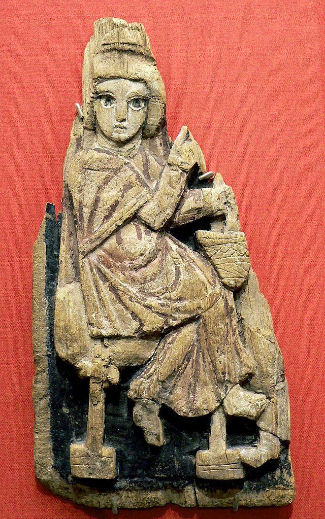 Per arte copta si intende sia l'arte egiziana agli inizi dell'era cristiana, sia l'arte dei cristiani copti che ebbe i suoi periodi più fulgidi nel V-VI secolo e nel XII-XIII secolo