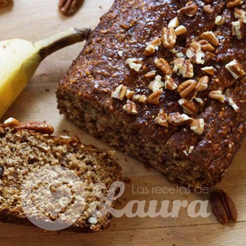 Deliciosa receta para preparar pan de plátano saludable, con harina integral y avena, lleno de fibra y potasio, perfecto para acompañar el cafe.