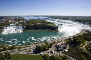 Canada is home to some of world's most wondrous natural attractions.: Niagara Falls, Ontario