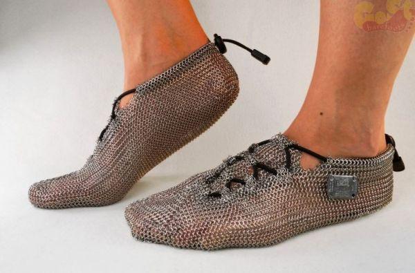 Des chaussures de running en cotte de mailles [video] - http://www.2tout2rien.fr/des-chaussures-de-running-en-cotte-de-mailles-video/