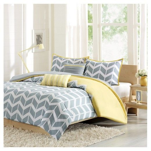 • Bold chevron pattern<br>• Contemporary color scheme<br>• Super-soft microfiber construction<br>• Button closure<br>• Machine washable<br>• Available in standard mattress sizes<br>• Includes: duvet cover, 2 shams & 2 decorative pillows (1 sham included with twin size)<br><br>You'll relish the bold style and contemporary charm of the Darcy, Chevron Duvet Cover Set. This strik...