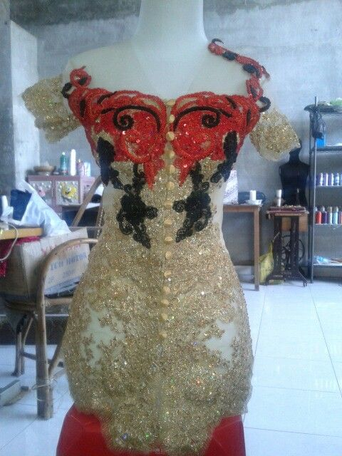 Kebaya modif by Ria Boutique