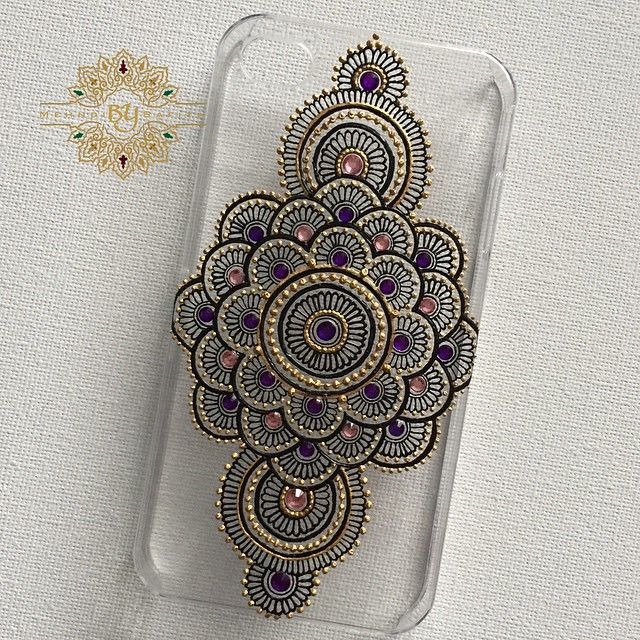 Another phone case, requested by client... #mehndi #mendhi #henna #mehndiart #mehndiartist #bridal #bridalhenna #bridalmehndi #bridalmendhi #hennaart #hennaartist #mendhiart #mendhiartist #hennacandle #mehndicandle #mendhicandle #hennathaals #thaal #mehndithaal #mendhithaal #hennathaal #intricatemehndi #intricatehenna #intricatemendhi #vegas_nay #shaadi #lookamillion #hudabeauty #zukreat #mayamiamakeup