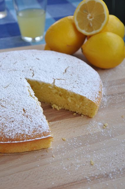 Lemon and Olive Oil Cake - decadently lemony & moist and so easy to make