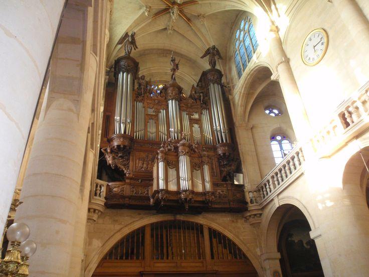 El organo de la Iglesia