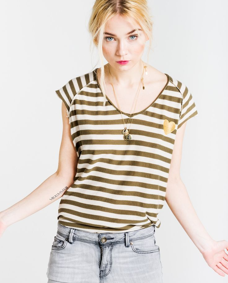http://www.thehiptee.com/es/mujer/900-gloria-oversize-tee-reverse-c.html