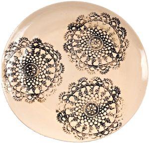Koronkowy talerz od Inżynierii Designu / A lace plate by  Inżynieria Designu  http://qukeria.pl/?p=493    źródło zdjęcia: www.facebook.com/InzynieriaDesignu/
