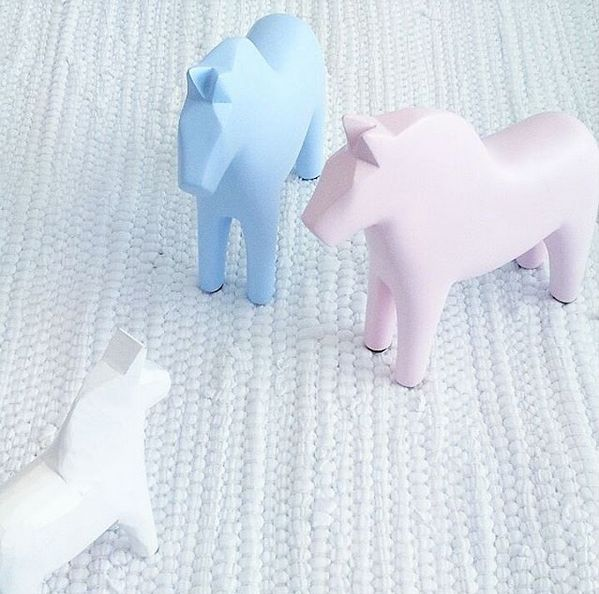 Our Swedish Dalahorses are perfect for a child's bedroom! Gifts, rugs and inspiration for bedrooms and home decoration from Skandihome.com